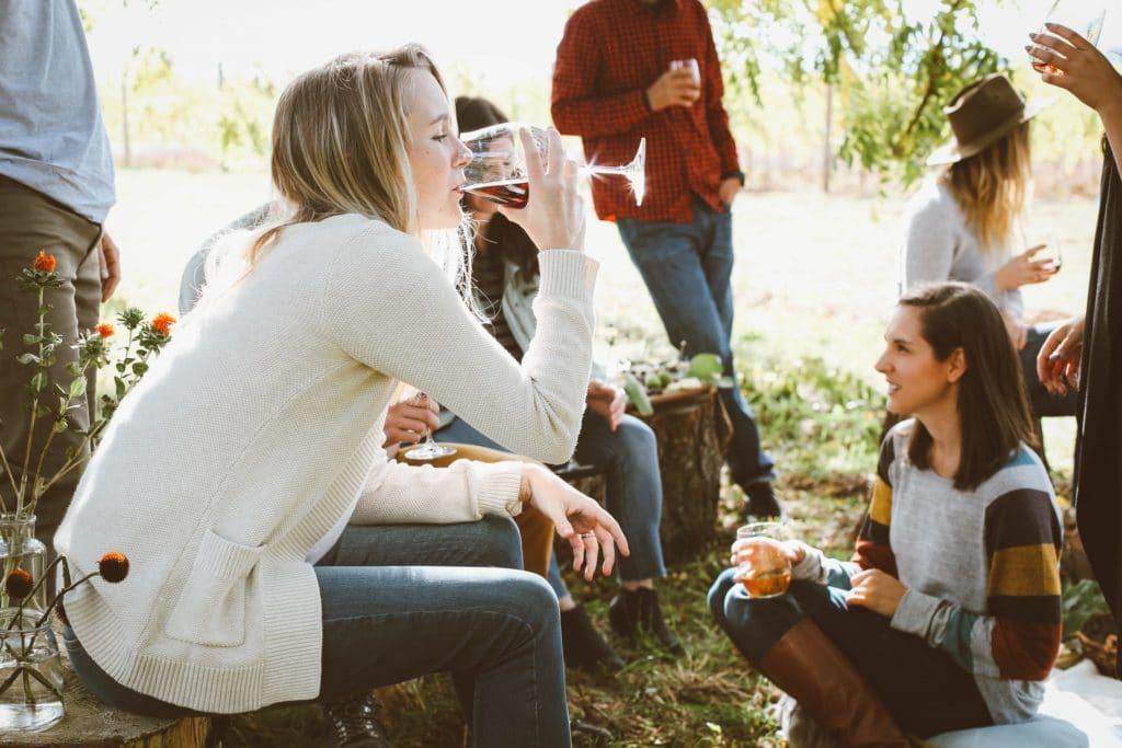 Erwachsene neue Freunde finden Freundschaft finden